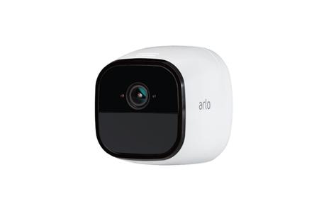 Está cámara de vigilancia libre de cables permite controlar tu hogar de forma totalmente independiente