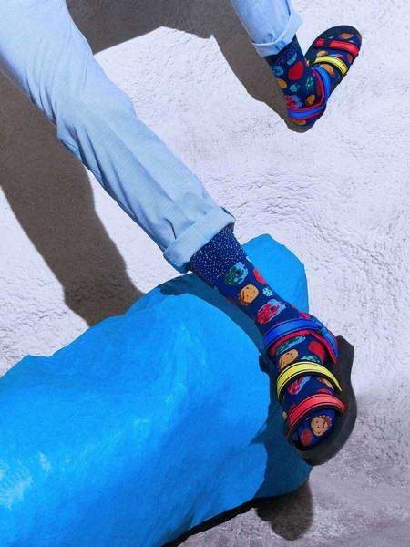 Happy Socks Sabe Que Los Calcetines Lucen Mejor Con Sandalias Y Asi Nos Muestra Su Nueva Coleccion 2