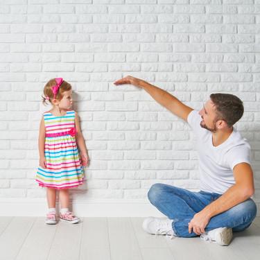 ¿Cuánto crece un niño en la infancia y cuánto medirá de mayor?