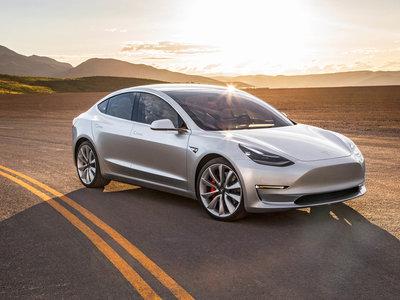 La autonomía del Tesla Model 3 ya es oficial, y no hay sorpresas: ¡hasta 500 kilómetros!