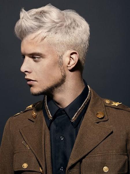 Lo Que Tienes Que Saber Antes De Adoptar El Cabello Platinado Como Parte De Tu Estilo Platinum Hair Boy Trendencias Hombre