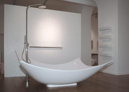 Leggera una nueva dimensión del baño por Flaminia