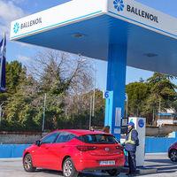 Las gasolineras más baratas de España según la OCU, y cómo saber dónde repostar al viajar este verano