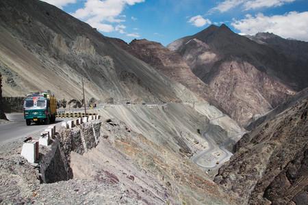 China e India llevan medio siglo luchando por el mismo trozo de tierra. Y ahora está a punto de estallar