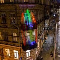 'Christmas on the Balconies', expresando el espíritu navideño desde una distancia segura (en balcones, terrazas y ventanas), por Adas Vasiliauskas