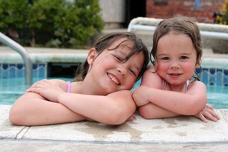 La piscina, una experiencia rica para el desarrollo del niño