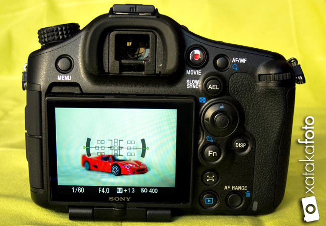 Sony A99 detalle pantalla trasera