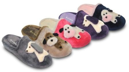 Las zapatillas Garzon nos proponen un diseño muy canino para que los pies de los peques estén calentitos y protegidos