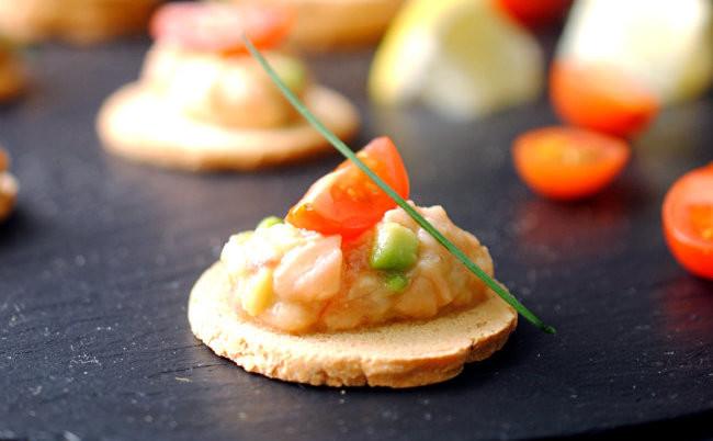 Tartar de salmón y aguacate. Receta