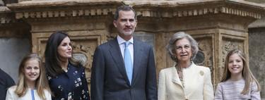 El look de Doña Letizia en la Misa de Pascua: la reina se apunta a la tendencia de los vestidos camiseros con uno ideal de Massimo Dutti