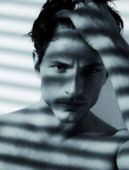 Cuidados cosméticos básicos para hombres (VIII): la flacidez cutánea