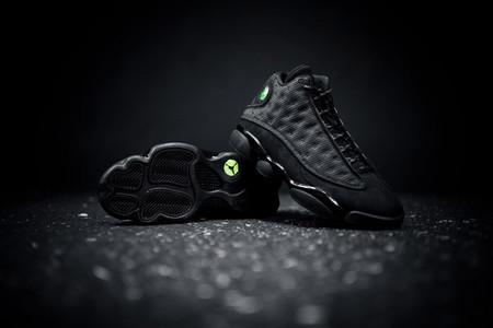 Air Jordan 13 01