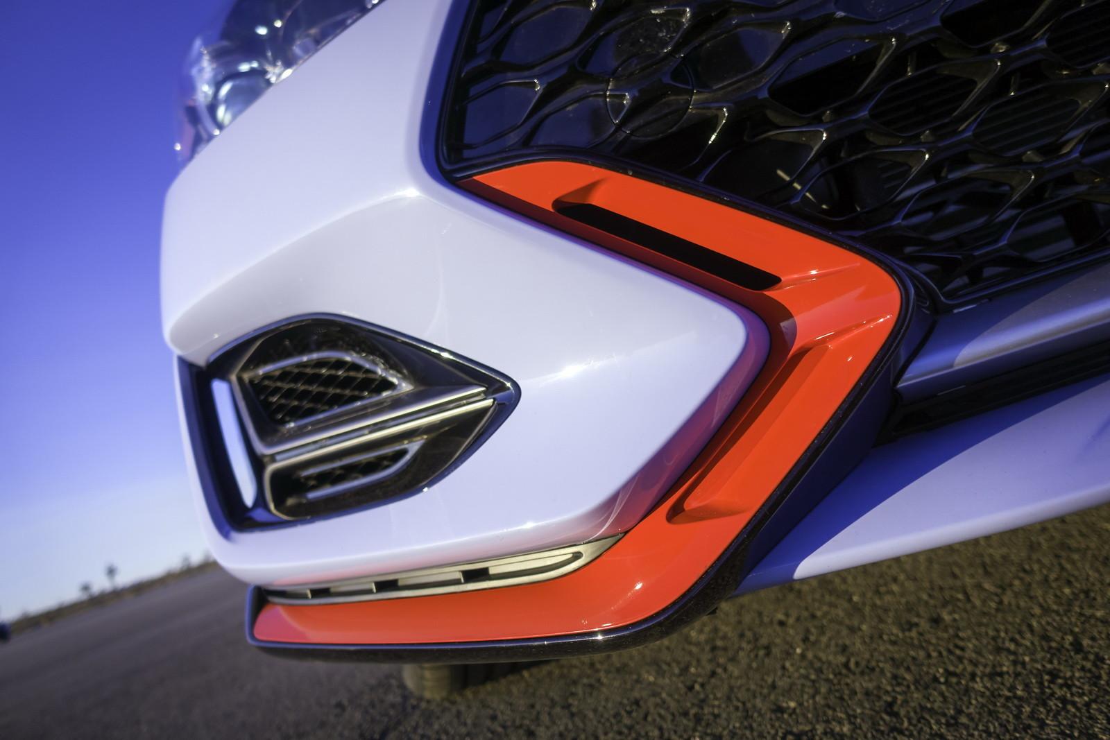 Foto de Hyundai Veloster N (27/30)