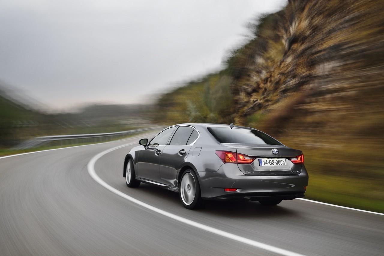 Foto de Lexus GS 300h (147/153)