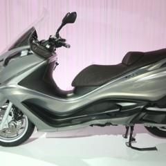 piaggio-x10-nuevo-maxi-scooter-gran-turismo