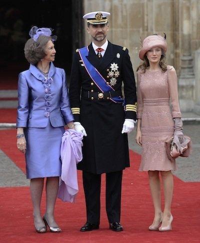 La Reina Sofia elige el morado para el enlace de Kate y el príncipe Guillermo