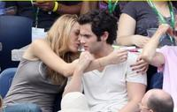 Miley Cyrus quiere temita con Penn Badgley de Gossip Girl