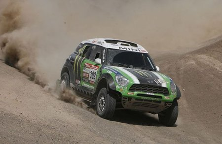peterhansel-dakar-2012-5.jpg