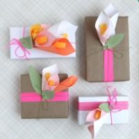 Envuelve el regalo del Día de la Madre con estas bonitas flores de papel DIY