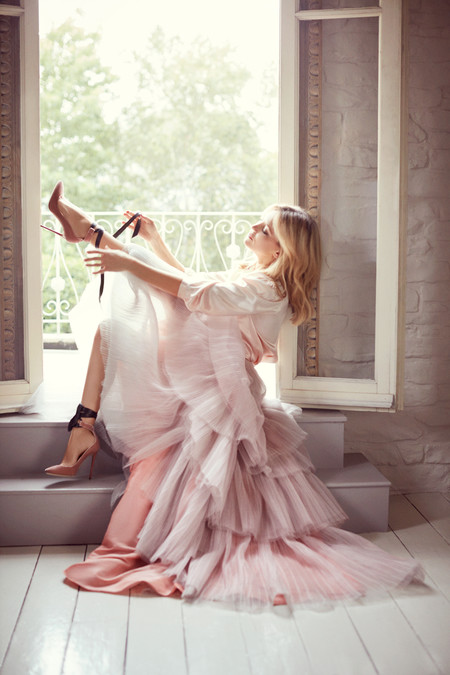 Kate Hudsen Is The It Girl For Jimmy Choos Fall 2015 Shoe Collection 6