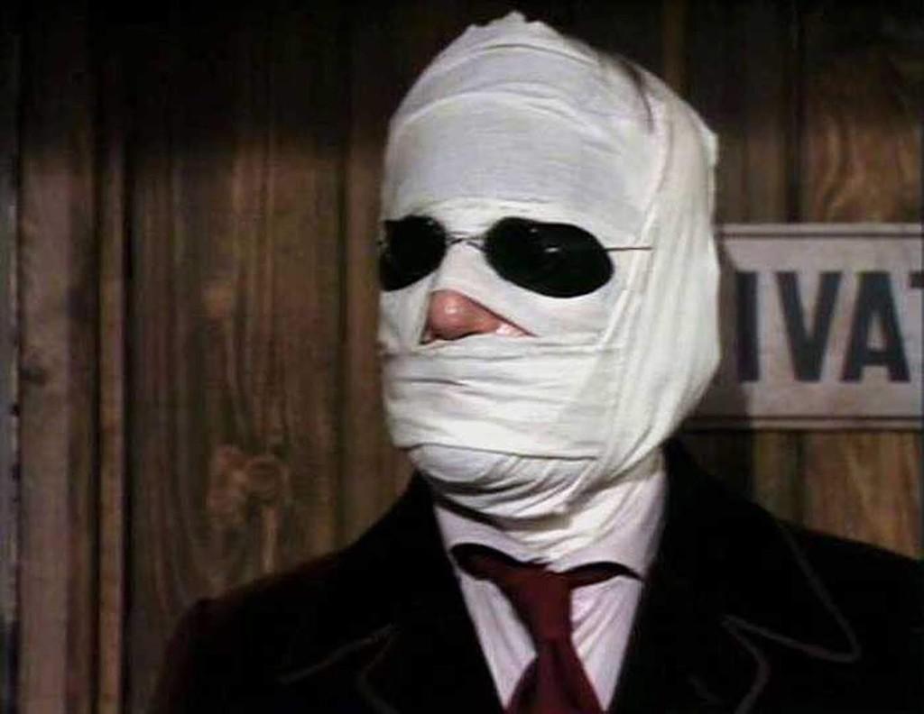 'El hombre invisible': la terrorifica miniserie de la BBC es aún hoy la adaptación más fiel al libro de H.G. Wells