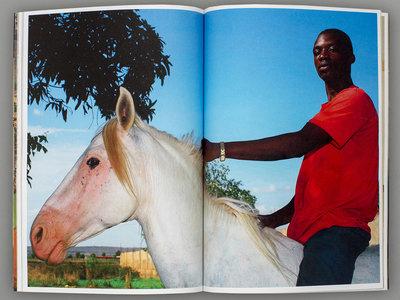 'El Blanco', de Ricardo Cases, un libro sobre el viaje de un hombre blanco a Mali