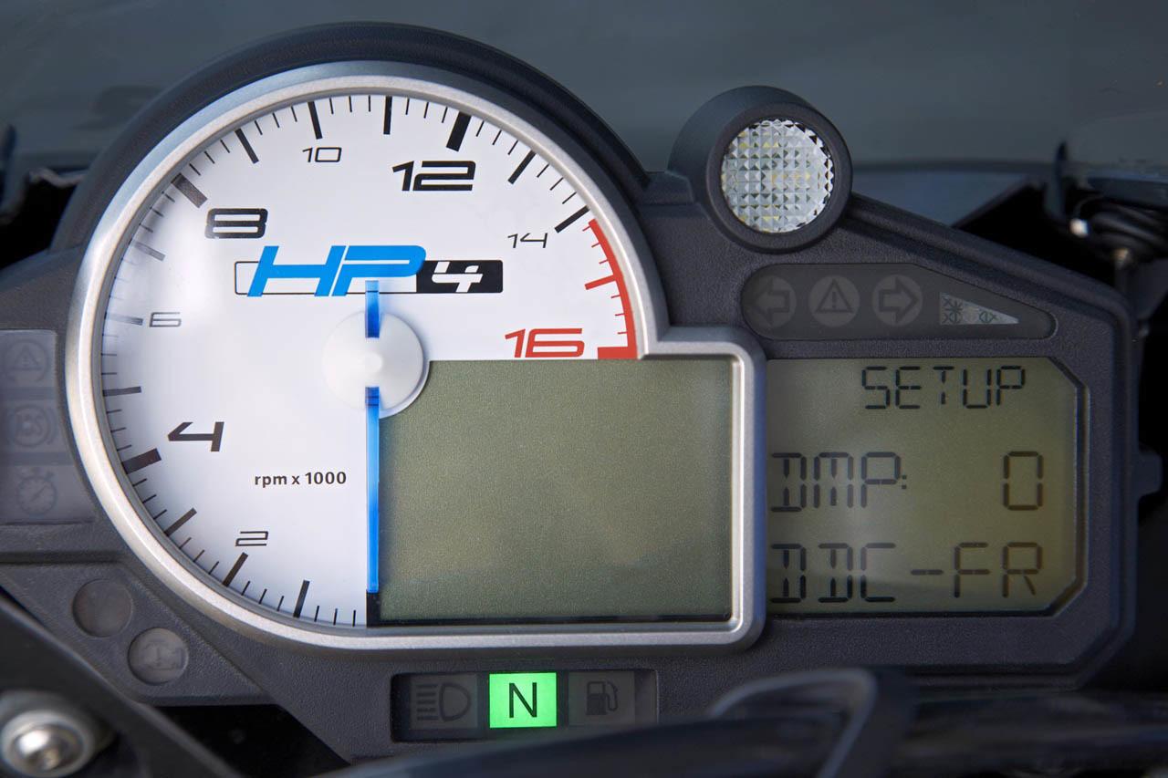 Foto de BMW HP4, nueva mega-galería y vídeo en acción en Jerez (135/155)