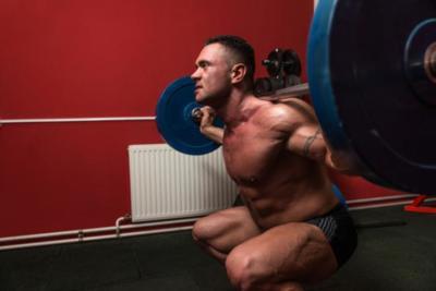 Aumenta tu flexibilidad y mejora tus sentadillas y peso muerto