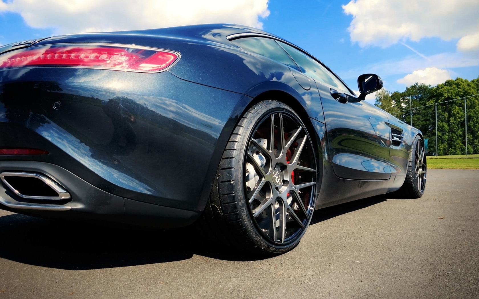 Foto de Mercedes-AMG GT S con llantas LOMA (9/9)
