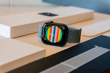 El reciente y equilibrado Apple Watch SE de 40 y 44 mm ya está rebajado en Amazon a su precio mínimo: desde 285 euros