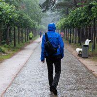 Despídete del frío en los días de lluvia con estos chubasqueros desde 9,95 euros: Decathlon, Amazon, La Redoute y más