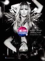 Britney Spears presenta su perfume Fantasy Twist, ¡dos por el precio de uno!