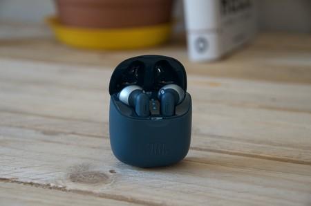 JBL Tune 220 TWS, análisis: el refuerzo de graves y el diseño marcan a estos auriculares inalámbricos de JBL