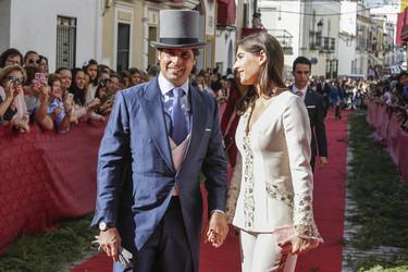 Lourdes Montes vuelve a equivocarse, Rosario Domecq le da una lección de estilo en la boda torera del fin de semana