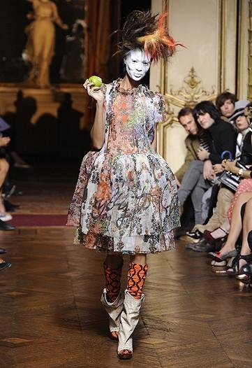 Foto de Vivienne Westwood Primavera-Verano 2010 en la Semana de la Moda de París (13/21)