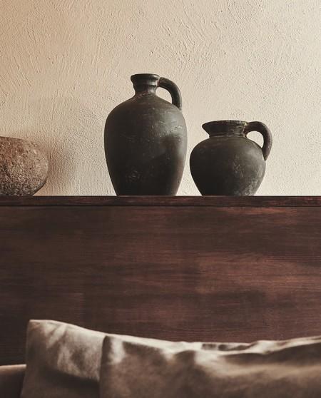 El terracota no es solo un color en Zara Home, también es el material de sus jarrones y cuencos más deseados esta temporada