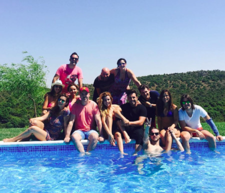 Reunión de OT1 a la vera de una piscina y con sonadas ausencias