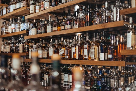 Las bebidas alcohólicas que te provocan las peores resacas: estas son las que tienes que evitar