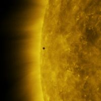 Este fantástico vídeo 4K de la NASA muestra el tránsito de Mercurio frente al Sol