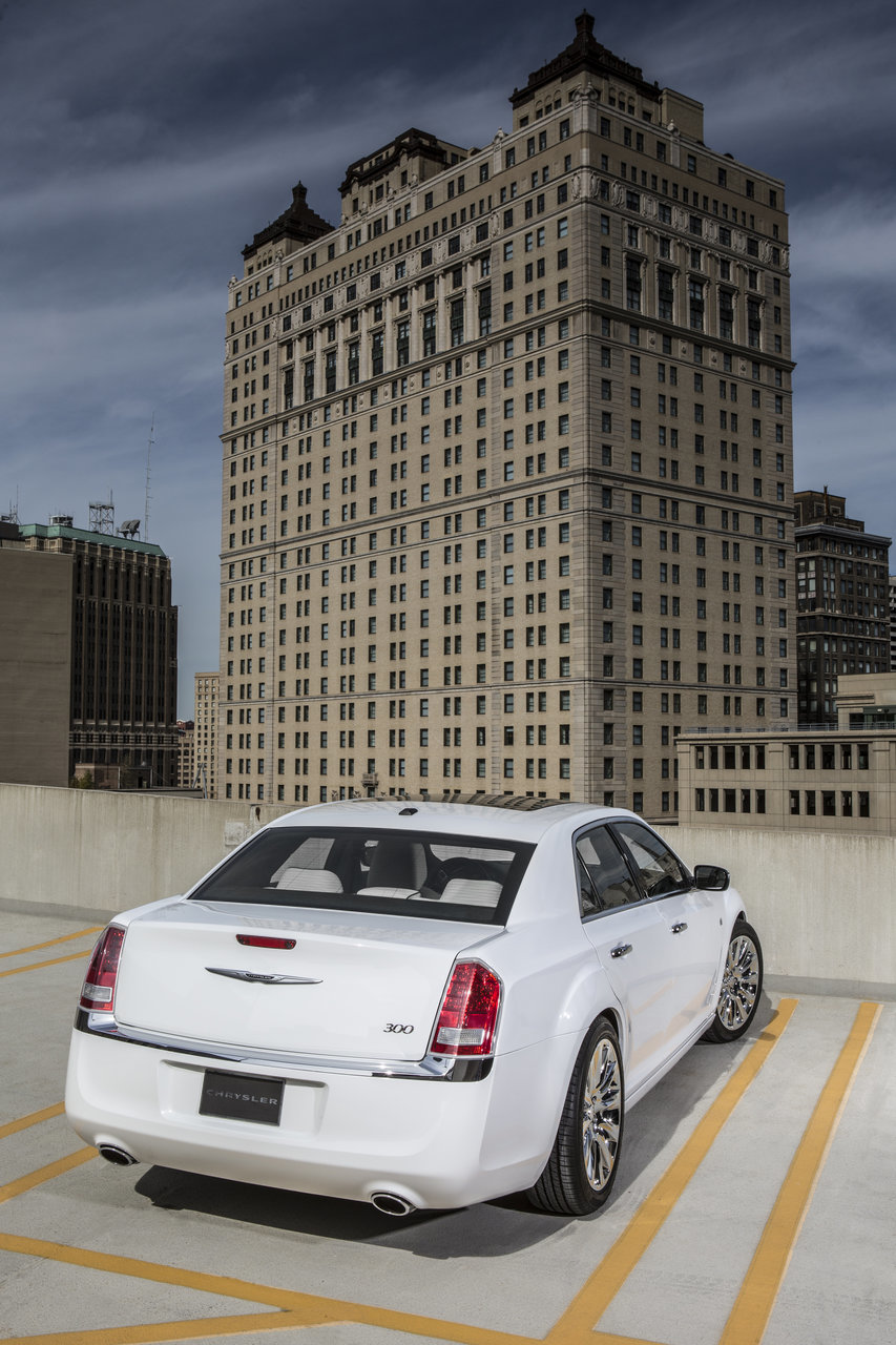 Foto de Chrysler 300C Motown Edition (12/21)