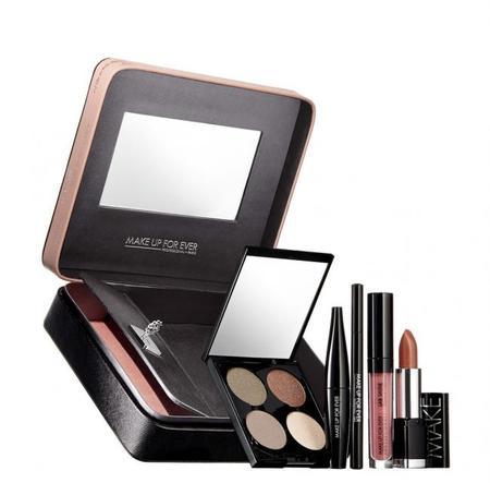 Make Up Forever nos tienta de lo lindo con su colección dedicada a 'Cincuenta Sombras de Grey'