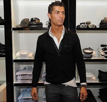 """Cristiano Ronaldo y su """"discreta"""" marca de ropa CR7"""