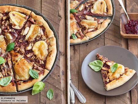 Receta de pizza de pollo, queso brie y arándanos, para amantes del contraste dulce y salado
