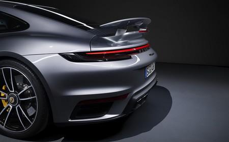 Porsche 911 Turbo S 2021 15