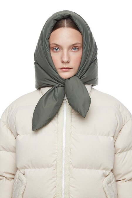https://ienki-ienki.com/collections/pieces/products/hustka-hood-khaki