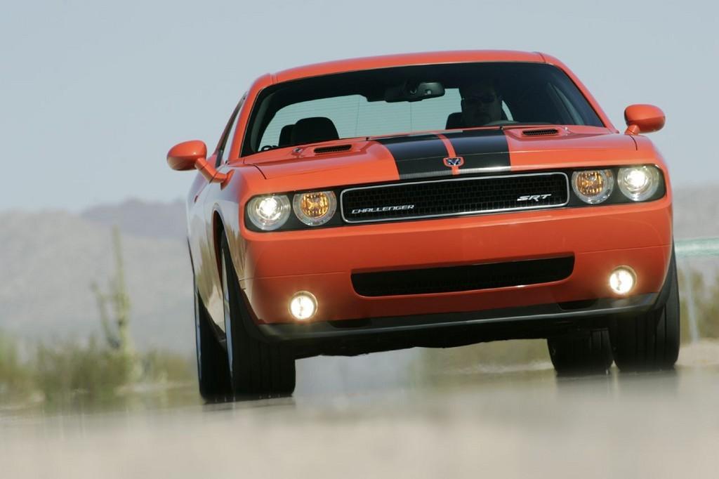 Foto de Dodge Challenger SRT8 (21/103)