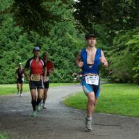 Algunos motivos por los que es mejor correr al aire libre