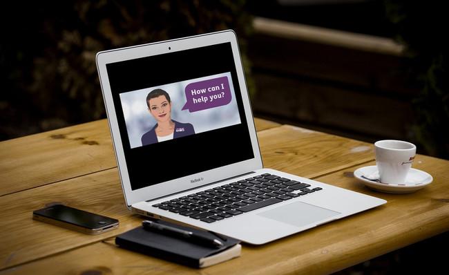 """Nadia, una """"inteligencia emocional"""" muy """"humana"""", es un chatbot programado para entender palabras y gestos faciales"""