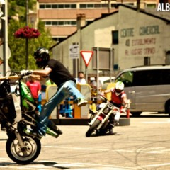 Foto 4 de 18 de la galería exito-del-primer-campeonato-de-freestyle-stunt-riding-encamp-2011 en Motorpasion Moto