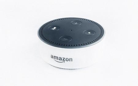 """Alexa se hace más """"humana"""": ahora puede expresar emociones como entusiasmo y decepción en varios grados de intensidad"""